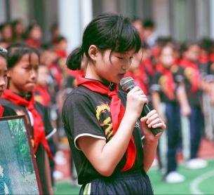 pupils-school-children-red-scarf-1596711.jpeg